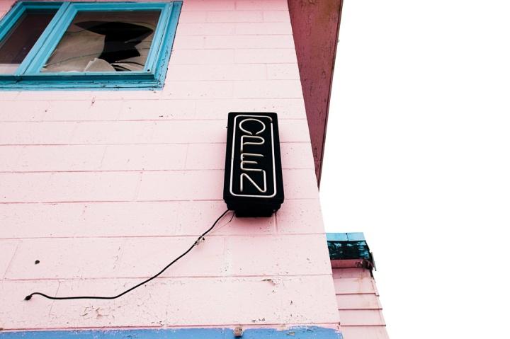 abandoned pink motel _16