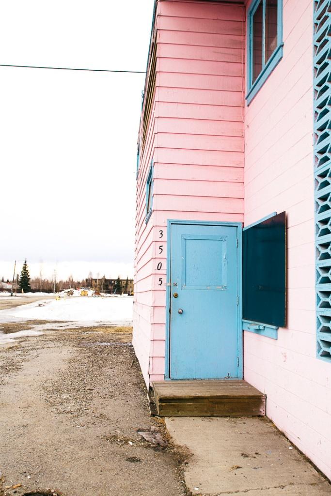 abandoned pink motel _22