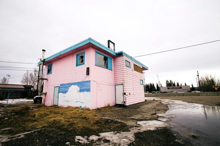 abandoned pink motel _3