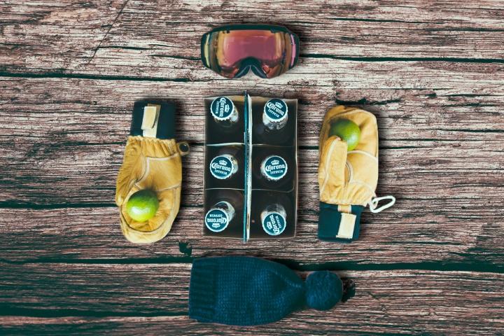 Gorro (tilde), antiparras (tilde), guantes (tilde), limas (tilde) Coronas (tilde). #InviernoCorona